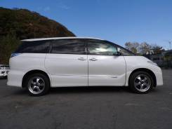 Toyota Estima Hybrid. С водителем