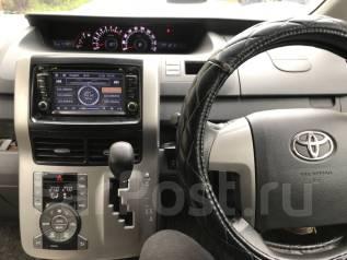 Toyota Noah. ZRR700203891