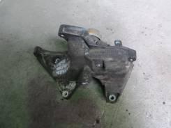 Крепление компрессора кондиционера. Opel Antara Двигатели: A22DM, A24XE, A24XF, A30XF, A30XH, B20DTH, Z20DM, Z20DMH, Z24XE, Z32SE