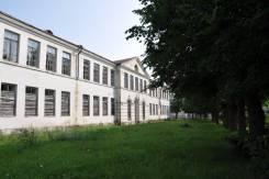 Продам здание бывшей средней школы в городе