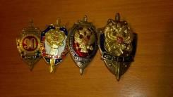 Знаки ФСБ России , ВЧК, КГБ - 4 штуки одним лотом. на закрутках.