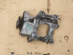 Крепление компрессора кондиционера. Toyota Hiace, KZH106, KZH106G, KZH106W Двигатель 1KZTE