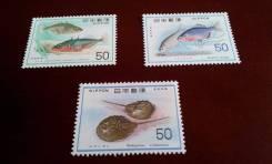 Япония. Нечастые 3 чистых марки 1976 г. Рыбки. Отличный сохран! Торг!