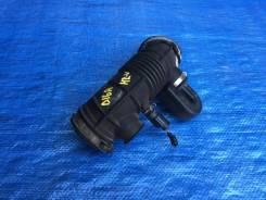 Патрубок воздухозаборника. Honda HR-V Двигатели: D16A, D16AVTEC