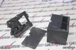 Крепление аккумулятора. Lexus: RC200t, IS300, RC300, RC350, GS200t, IS350, IS350C, IS250, IS250C, GS F, GS450h, IS220d, IS200d, RC300h, GS250, GS350...