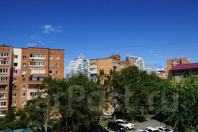 Идеальное офисное здание с парковкой в аренду до 1500 м2. 300кв.м., улица Бестужева 21б, р-н Эгершельд. Вид из окна