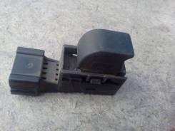 Кнопка стеклоподъемника. Nissan Mistral, R20 Двигатели: TD27B, TD27BETI