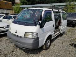 Mitsubishi Delica. SK22M200565, R2