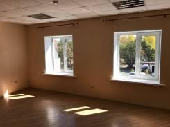 Офисное помещение в аренду в Находке. 22кв.м., бульвар Озёрный 4а, р-н Озерный бульвар