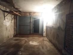 Гаражи капитальные. улица Сабанеева 16, р-н Баляева, 26кв.м., электричество. Вид изнутри