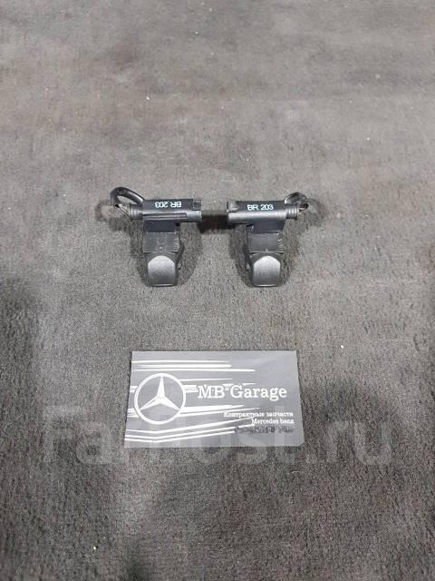 Форсунка омывателя. Mercedes-Benz G-Class, W463 Mercedes-Benz CLK-Class, A209, C209 Mercedes-Benz E-Class, S211, W211 Mercedes-Benz C-Class, CL203, S2...
