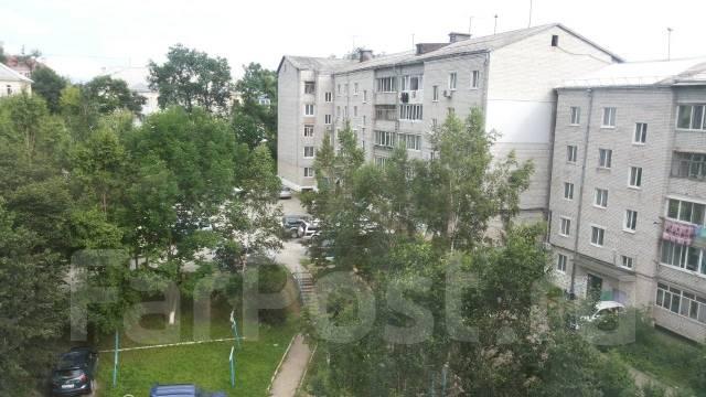 3-комнатная, улица Барнаульская 14. частное лицо, 60кв.м. Вид из окна днём