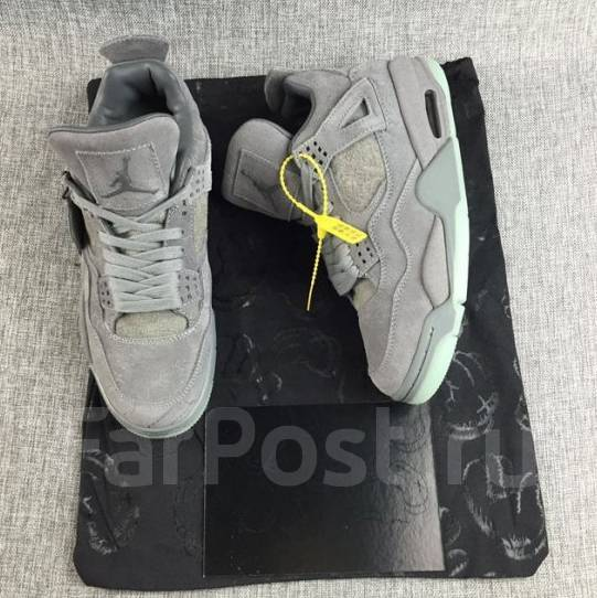 49b05279b40c Кроссовки мужские Nike Air Jordan 4 Retro Kaws