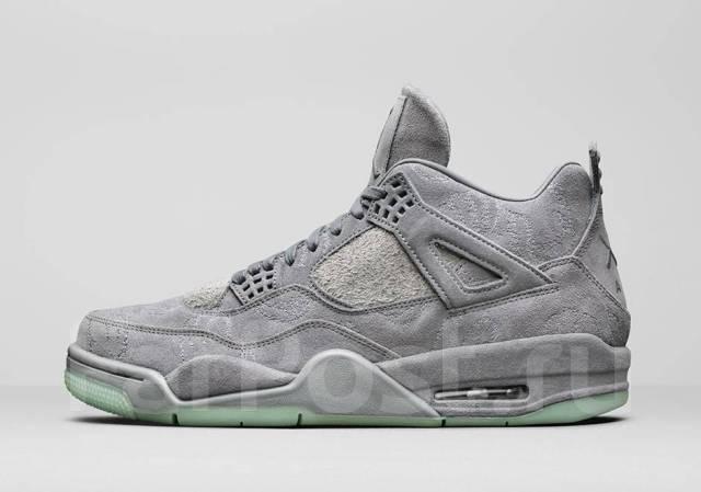 Кроссовки мужские Nike Air Jordan 4 Retro Kaws