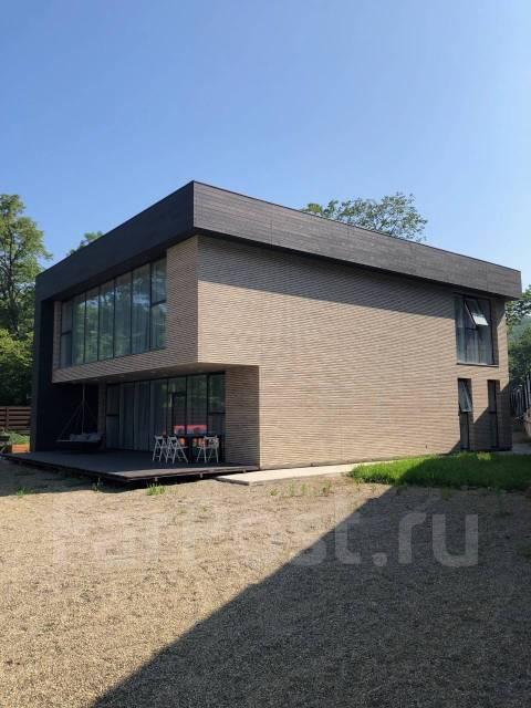 Продам современный дом на Заре. Улица Залесная 5м, р-н Заря, площадь дома 370кв.м., скважина, электричество 30 кВт, отопление электрическое, от част...