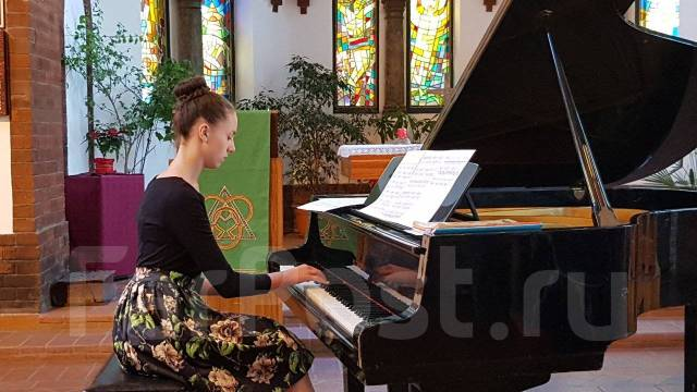 "Уроки фортепиано, вокала, гитары, укулеле. Школа ""Виртуозы"""