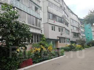 2-комнатная, улица Советская. 16 школа, агентство, 54кв.м. Вид из окна днём