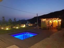 Аренда дома+море + бассейн+беседка+баня !. От частного лица (собственник). Участок вокруг дома
