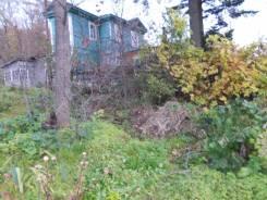 Продам часть дома с землей в собственности на Седанке. Улица Полетаева 26, р-н Седанка, площадь дома 32кв.м., скважина, электричество 20 кВт, отопле...
