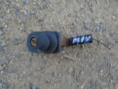 Датчик открытия двери, концевик двери. Mazda MPV, LWEW