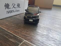 Toyota VOXY ZRR/ZWR 80/85. Масштаб: 1/30. Toyota Voxy, ZWR80, ZWR80G, ZWR80W, ZRR85G, ZRR85W, ZRR80W, ZRR80G Двигатели: 3ZRFAE, 2ZRFXE