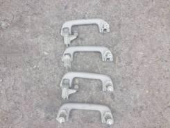 Ручка салона. Toyota Avensis, AZT250, AZT250L, AZT250W, AZT251, AZT251L, AZT251W, AZT255, AZT255W, CDT250, ZZT251, ZZT251L Двигатели: 1AZFSE, 1CDFTV...