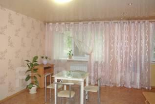 1-комнатная, улица Плеханова 45. Центр, площадь, 33кв.м. Комната