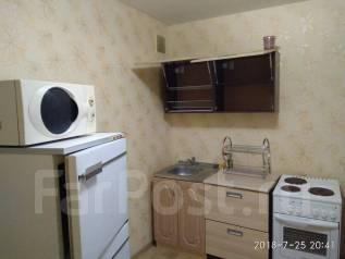 2-комнатная, улица Юнгов 12. Индустриальный, частное лицо, 55кв.м.