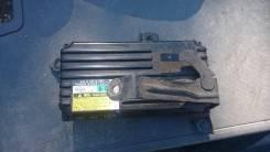 Блок комфорта. Lexus LS600hL, UVF46