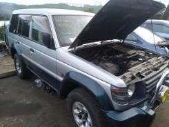 Крепление крышки багажника. Mitsubishi Pajero, V21W, V23W, V24W, V24WG, V25W, V26W, V26WG, V43W, V44W, V44WG, V45W, V46V, V46W, V46WG, V47WG Двигатели...