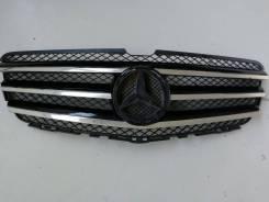 Решетка радиатора. Mercedes-Benz R-Class, W251 Двигатели: M113E50, M156E63, M272E30, M272E35, M273E55, M276DE30LA, M276DE35, OM642