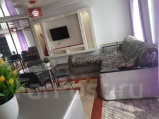 2-комнатная, проспект 100-летия Владивостока 45. Столетие, 42кв.м. Комната