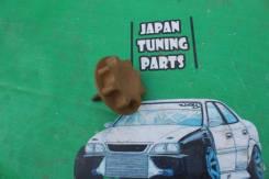 Крепление запасного колеса. Toyota: Ractis, ist, Sienta, Aristo, Vitz, Prius C, Corolla Axio, Porte, Avensis, Scion, Camry, Soarer, Vista, Yaris, Spad...
