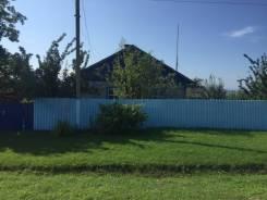 Дом с большим участком Буссевка. Буссевка, улица Советская 50, р-н Буссевка, площадь дома 50кв.м., электричество 30 кВт, отопление твердотопливное...