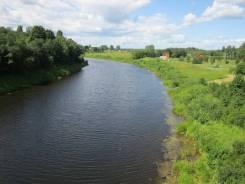 Земельный участок в деревне на берегу реки. 90 км. от Москвы на север. 1 200кв.м., собственность, электричество, вода, от частного лица (собственник...