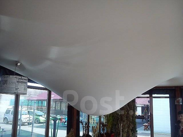 Затопили натяжной потолок, слив воды, ремонт, монтаж. Натяжные потолки .