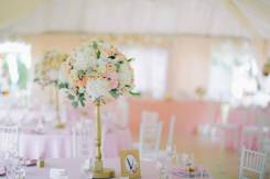 Свадебная флористика из искусственных цветов и прочего декора