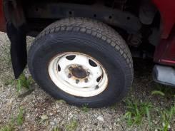 Продам шины на дисках 215/80R15