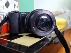 Sony Alpha ILCE-5000 Kit. 20 и более Мп, зум: 14х и более