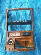 Консоль магнитафона NISSAN BLUEBIRD SYLPHY