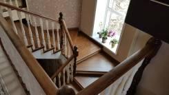 Качественное производство и монтаж лестниц из массива дерева.