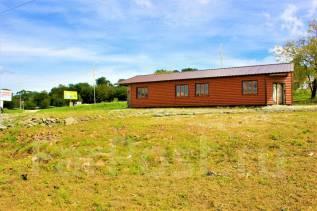 Продаётся большой участок с помещением возле трассы под бизнес в Артем. 1 800кв.м., собственность, электричество, вода. Фото участка