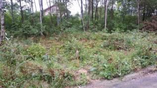 Продам участок в коттеджном поселке. 1 000кв.м., собственность, электричество, вода, от частного лица (собственник)
