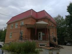 Продам двухэтажное здание с магазином. Улица Рокоссовского 37а, р-н Индустриальный, 447кв.м.