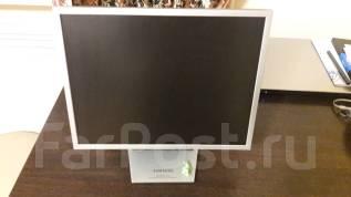 "Samsung. 15.2"", технология ЖК (LCD)"