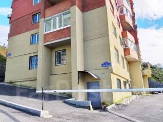 Продается жилое помещение на Ладыгина. Улица Ладыгина 2д, р-н 64, 71 микрорайоны, 166кв.м. Дом снаружи