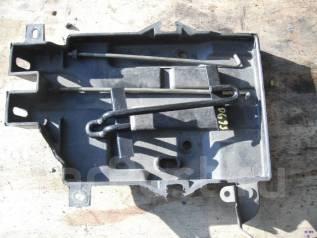 Крепление аккумулятора. Mitsubishi Airtrek, CU2W Двигатель 4G63T