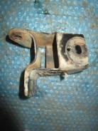 Кронштейн опоры двигателя. Chery A13