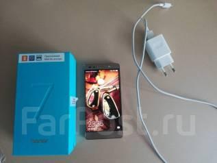 Huawei Honor 7. Б/у, 32 Гб, Золотой, 3G, 4G LTE, Dual-SIM, Защищенный