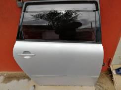 Продам двери Toyota Ipsum acm21